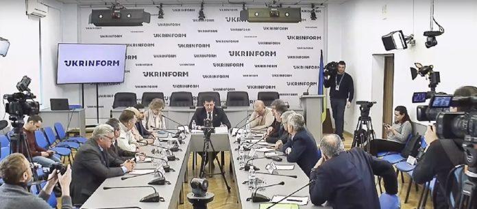 Епідемічна небезпека: чи захищені українці